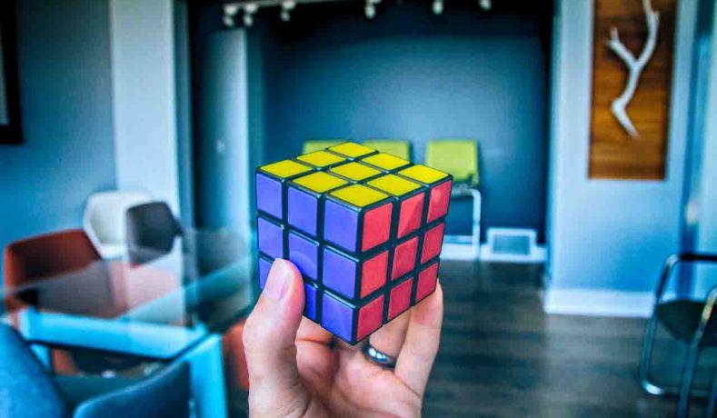 Nuovo record del mondo del cubo di Rubik