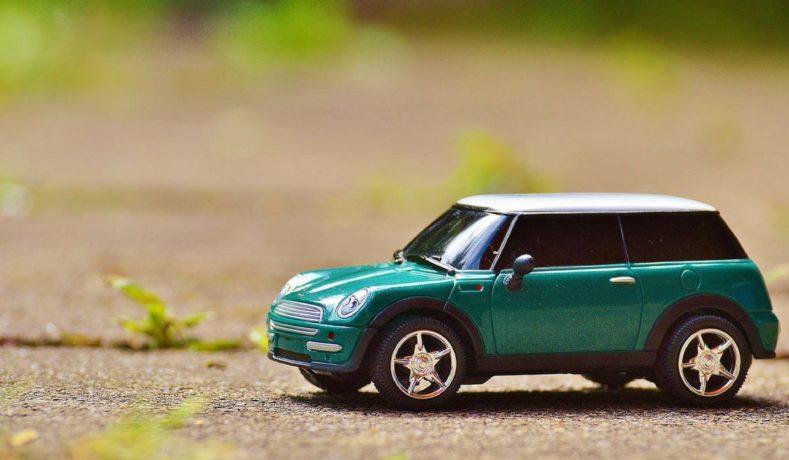 Viaggiare sicuri con l'auto: i controlli da fare prima di partire