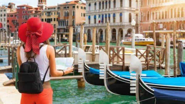 turismo-piu-stranieri-che-italiani-nel-2019-settore-crescera-ancora1